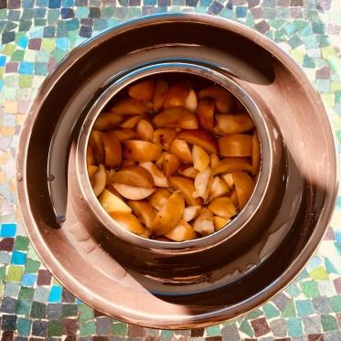 Äpplen i mjölksyrningskärl